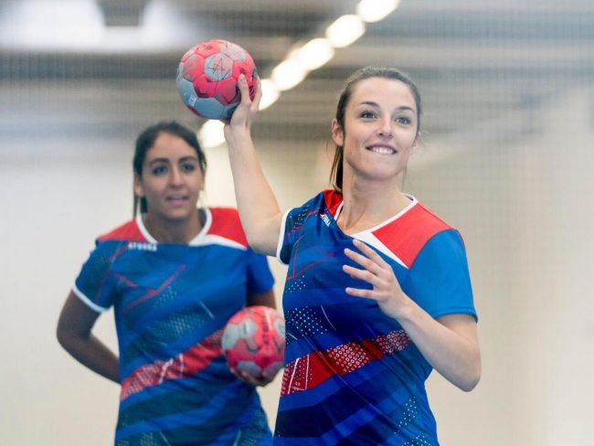Faire des exercices de passe-réception au handball, comment procéder?